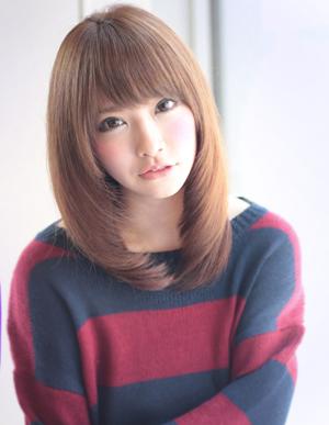 セミロングの可愛いヘアカタログ・髪型アレンジまとめ