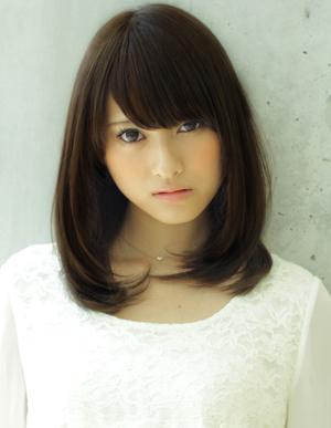 黒髪ミディアム☆ふんわり内巻きヘア
