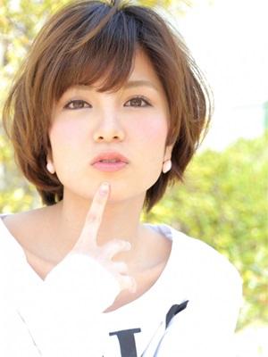 大人かわいい☆小顔耳掛けナチュラルショート☆