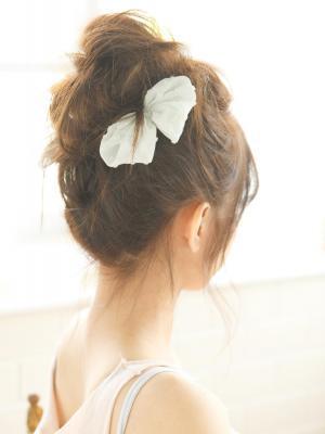 『LOVE髪』計算ずくのゆる可愛アップスタイル